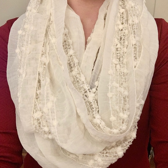 Francesca's Collections Accessories - Off White Cream Infinity Scarf